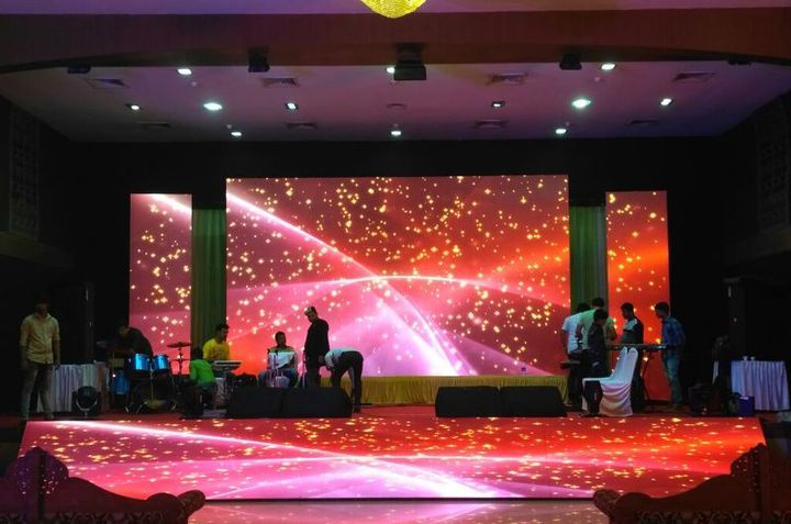 From projectors to big DJ equipment all the AV equipment for rental in Bangalore