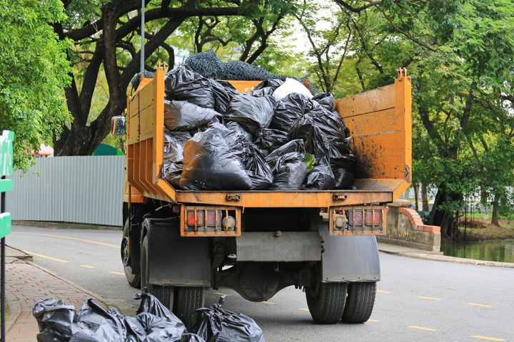 Junk Removal Windermere is done by professionals who have the skills and experience how to deal and tackle the situation and gives the customer full peace of mind, and all the tension is released from the mind by seeing the neat and clean house
