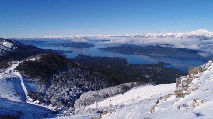 Rodeado por exuberante natureza, Villa La Angostura é um lugar tranquilo, exclusivo e de fácil acesso, na província de Neuquén, Argentina