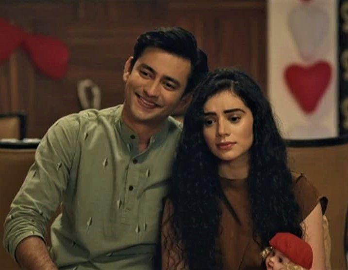 2) Aashay Mishra as Rishabh andSukirti Kandapal as Aaliya