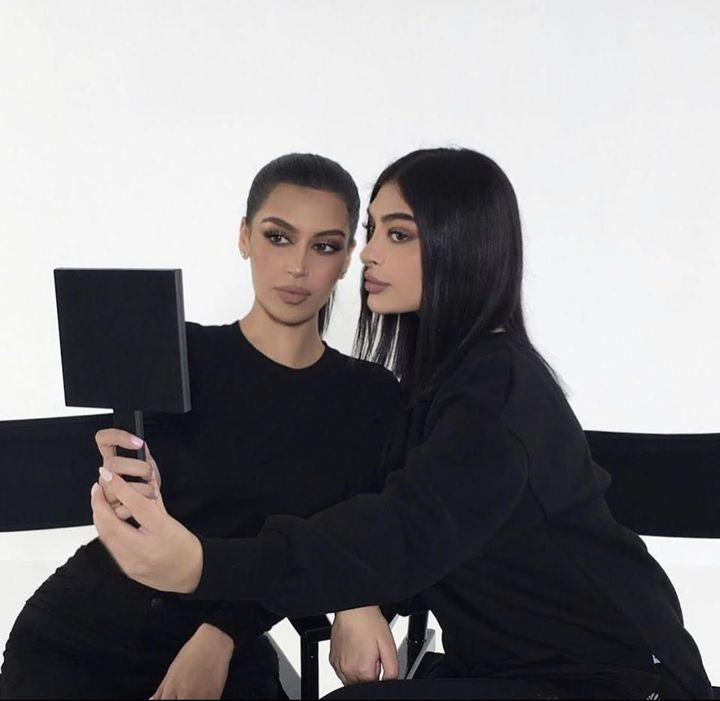 Other than having the extraordinary aptitude in the beauty, skin care and wellness space, both the sisters conveys some immaculate make up styles and body