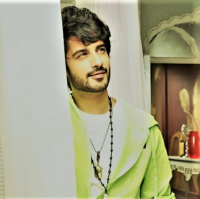 2) Shruti Sharma as Dhanak Joshi