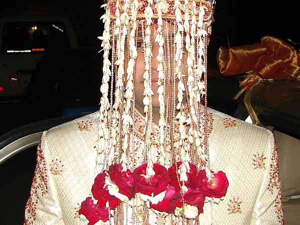 This is one of the groom style which is not so very popular I think