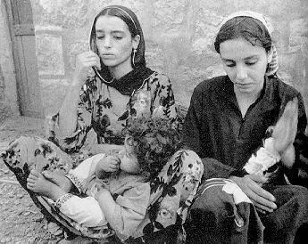 nadia et zana avant de partir au yémen