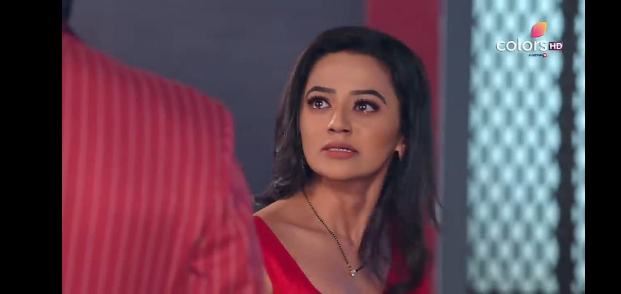 """Meant to? Meant to what? Leave me in Shimla? Ask me to kill Kabir? Give Ahana my place? Blame me for Siya's injuries? What Mr Vansh Raisinghania?"" Riddhima shouts"