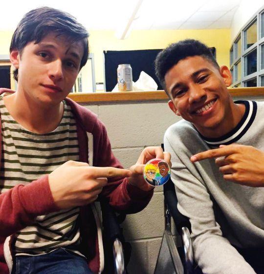Son tan lindos también :'3 ellos serán el Simon y Blue de la película