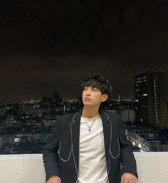 -Kang Chan meun(Chimon)-Second Prince of Gangnam-gu-crackhead, crazy, and cheerful-17 years old-Likes to bother his brother-Younger brother of Taehyun