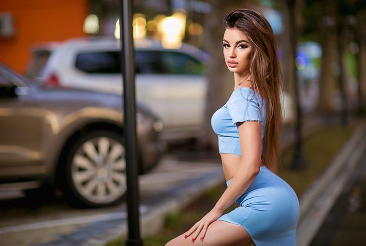 Every time we talk about Eastern European beauties, we associate with Moldova women