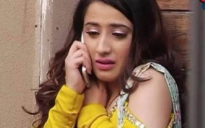 Tara too cries as well as Pooja