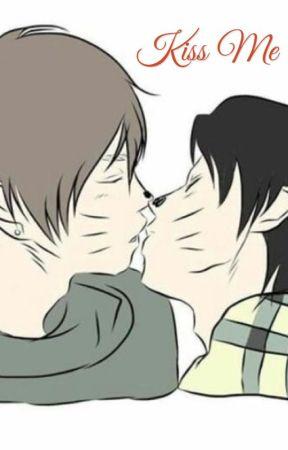 Kiss me// Dan and Phil high school au  by twentyonedunseph21