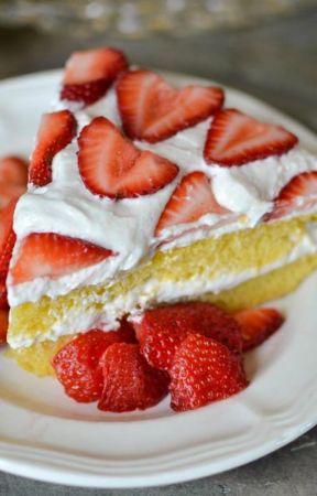 Strawberries by boomthereshewas