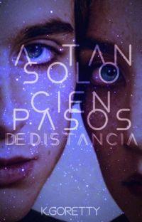 A TAN SOLO CIEN PASOS DE DISTANCIA cover