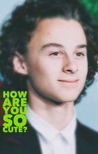 How are you so cute ? (Wyatt Oleff x reader) by BlankXOX