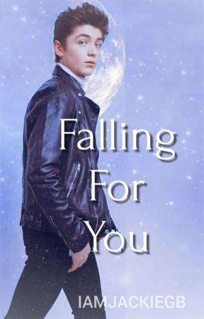 Falling For You || Asher Angel & tú   by IamJackieGB