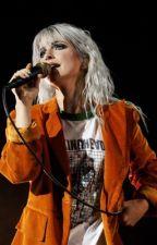 Hayley Williams Oneshots (gxg) by Sunny_Velvet