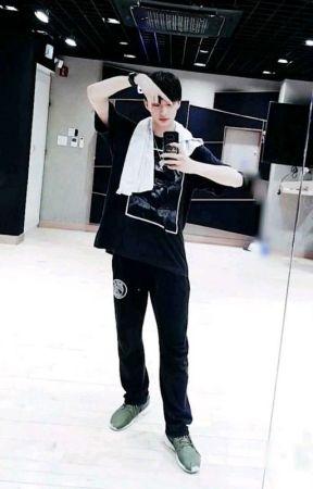 •[HyunJinGram]• by darksillyboy
