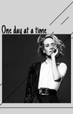 One day at a time | Sarah Paulson  by bibliothecariusa