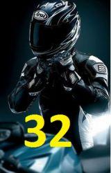 32 by NickaSwan
