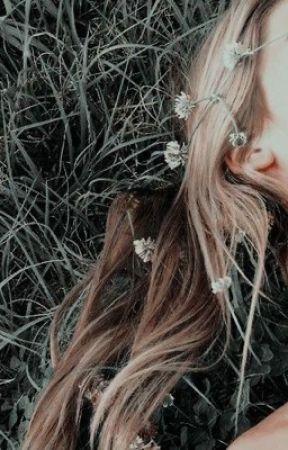 "𝐦𝐢𝐥𝐥𝐢𝐞 𝐰𝐢𝐭𝐡 𝐚𝐧 ""𝐞"" ( 𝐅𝐈𝐋𝐋𝐈𝐄 ) by lcve-iris"
