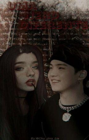 Uma Nerd Diferente 《Imagine BTS 》  by Cho_Jina_Lia