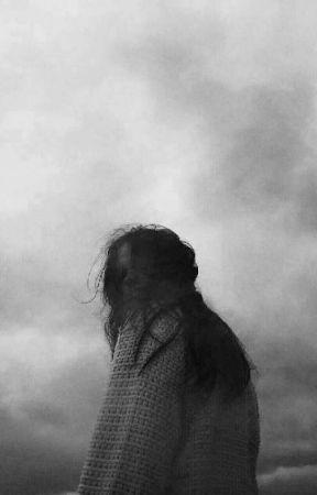 Ruhunu gökyüzüne asan kadın. by mezardakipapatyaa