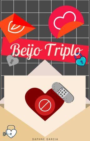 Beijo Triplo by Dyryet