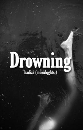 Drowning  by moonlqghts-