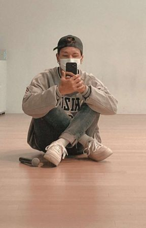 hold on 「 woosan 」 by kimsnluv