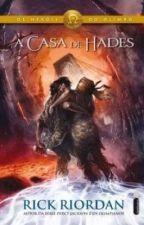 Lendo A Casa de Hades by yasminmoradillo17