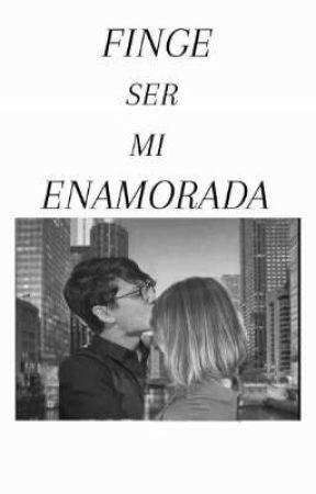 Finge ser mi enamorada // Christopher Vélez y tú.  by Leslie_CNCO08