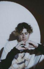 I think I love you by nessaswhore_