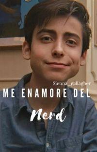 Me enamore del Nerd (Aidan Gallagher y tu) HOT cover