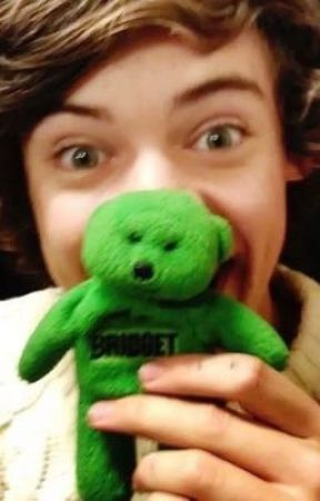 Harry goes poo 💩.  by poopie-doopie-louis