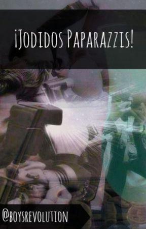 ¡Jodidos paparazzi!//PAUSADA// by boysrevolution