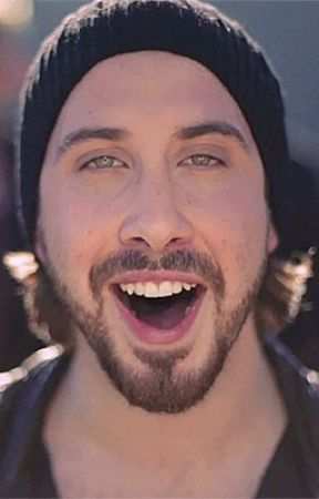 Low Notes and Angelic Smiles (Avi Kaplan Fanfiction) by frosted_shadows