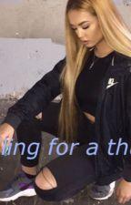juliana44509 tarafından yazılan Falling for a thug adlı hikaye