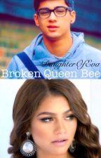 Broken queen bee by DaughterOfEva