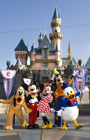 It Started in Disneyland - One Direction Fan Fiction by CatalinaaxoFics