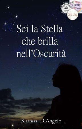 Sei la Stella che brilla nell'oscurità by _Katniss_DiAngelo_