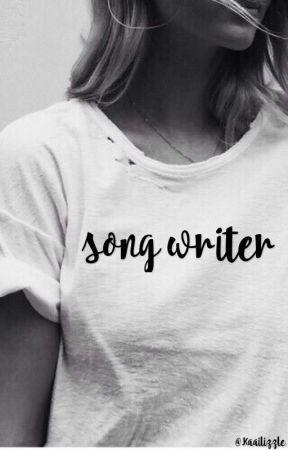 song writer : Luke Hemmings by Kaailizzle