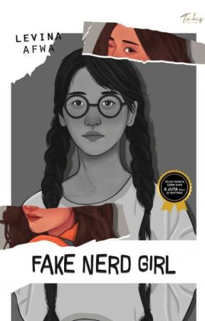 Fake Nerd Girl (END) by OrangeLaa