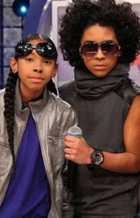 Crazy in Love! (A Mindless Behavior Love Story!) by _iCravePrince