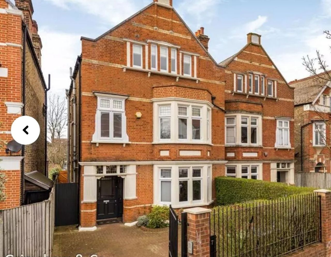 Authors Note – Inserting Pictures of Khushi's Home – in West Acton, London
