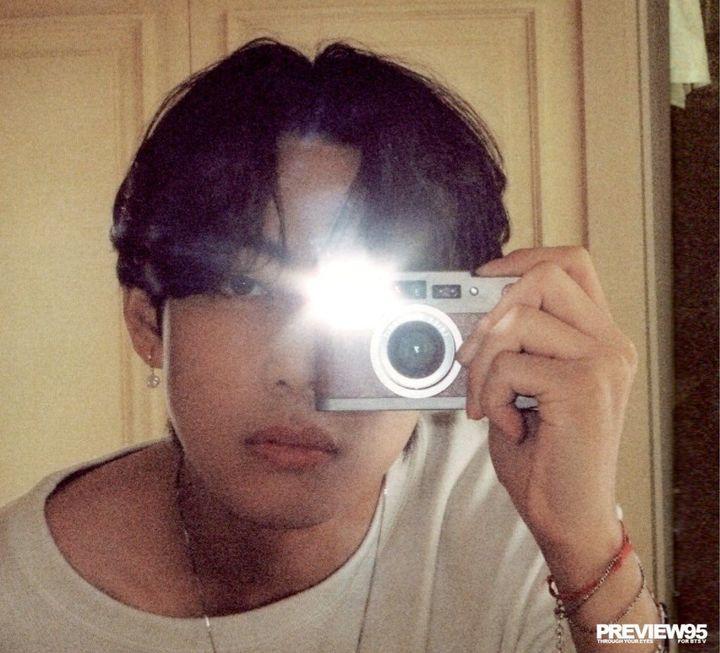 jeonguk beğendijeonguk: yeni kamerasıyla hava atıyor